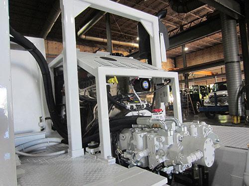 CME-800XR Rough-Terrain Carrier Engine